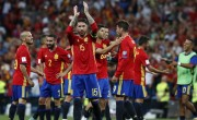 西班牙摆脱混乱、领带摩洛哥和 Wins 乙组